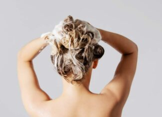 Best Natural Hair Oils for Smooth and Silky Hair